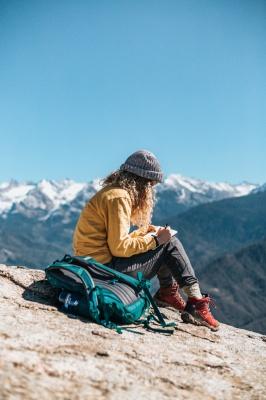 کوهنوردی-دختر-کوه