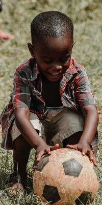 توپ-توپ فوتبال-بچه-پسربچه-آفریقا-آفریقایی-سیاه پوست