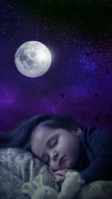 ماه-دختر-دختر بچه-شب-خواب-خوابیدن