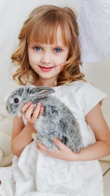 چشم رنگی-دختر-دختربچه-خرگوش