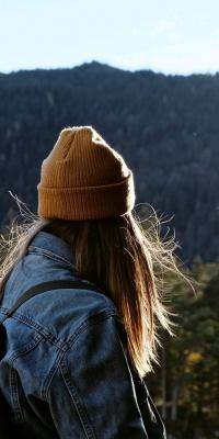دختر-کلاه