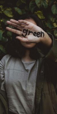 سبز-دختر-دست