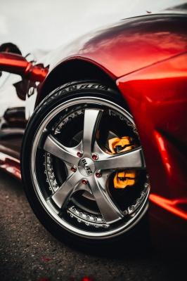 ماشین-رینگ-قرمز