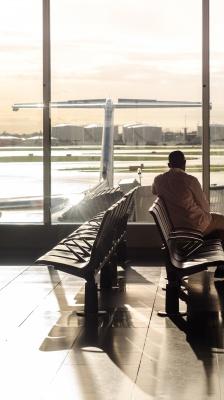 فرودگاه-تنهایی