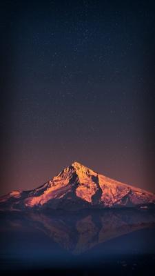 کوه-دریا-ساحل-شب