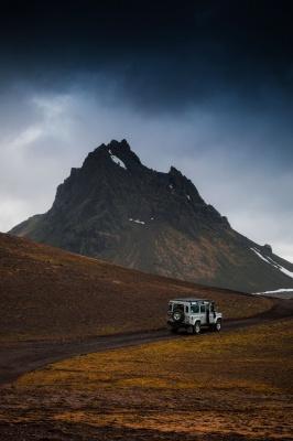 ماشین-بیابان-کوه