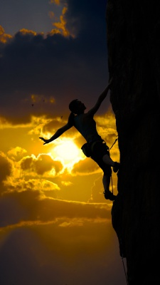 صخره نوردی-غروب-کوه-کوهنوردی-موفقیت-صعود-زن