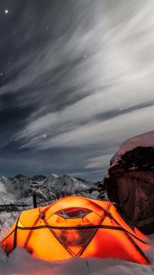 کمپ-چادر-آسمان-توسی-شب