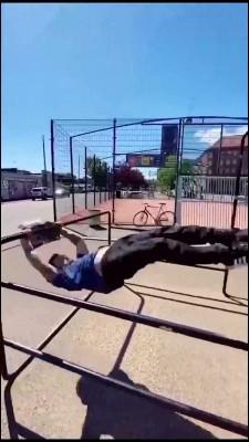 ورزشی-پارکور