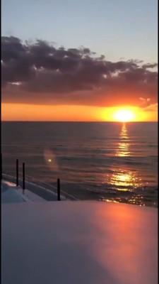 صخره-دریا-ساحل-غروب-قایق