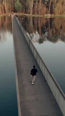 پل-دریاچه-اسکیت برد