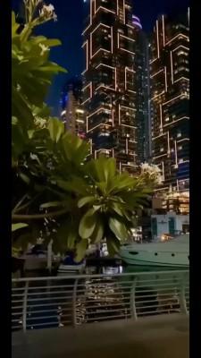 شهر-ساختمان-قایق-رودخانه