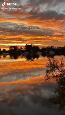 غروب-دریاچه