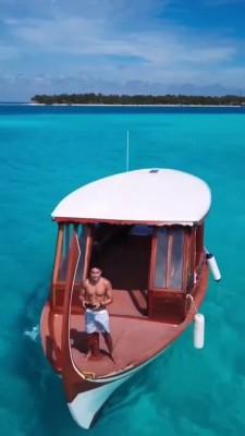 قایق-دریا-ساحل